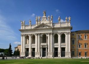 Lateráni Pápai Főszékesegyház főkapuja